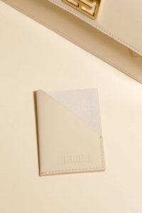 portes cartes cuir beige
